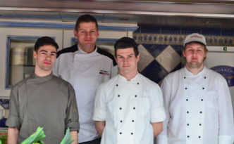 GREEN CHEFS Partner Tom Weber mit Team